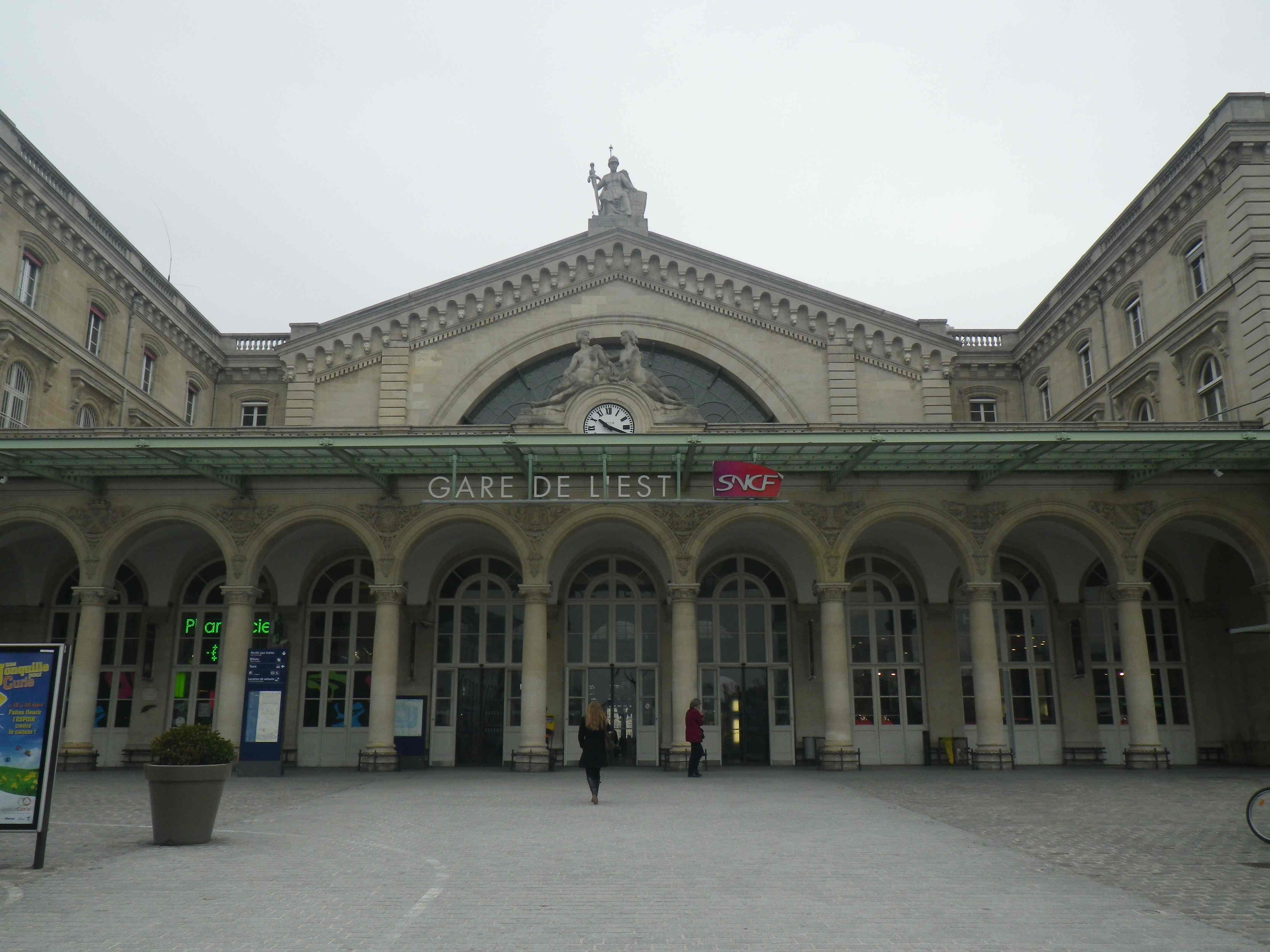 Meet At Gare De L Est